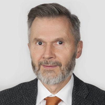 portrait-zahnarzt-braegger
